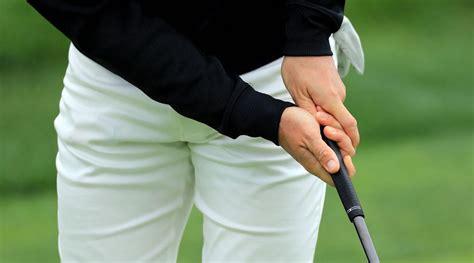 Reverse Overlap Golf Grip