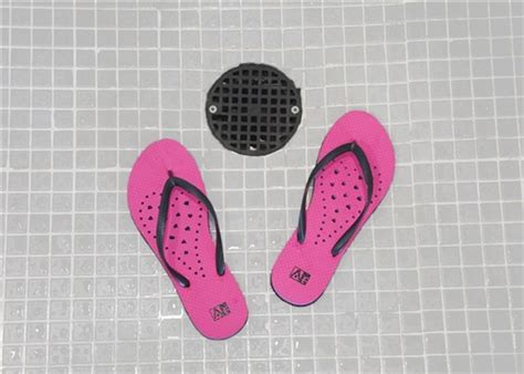 showaflops s antimicrobial shower sandal
