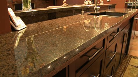 can i put pans on granite countertops