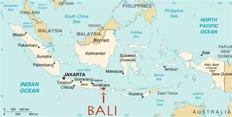 island  bali located   pacific ocean