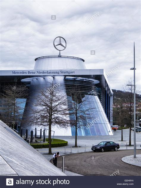 Mercedes Benz Factory High Resolution Stock Photography ...