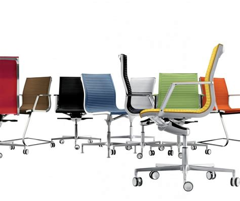 chaise de bureau sans nulite chaise design en cuir de bureau pied fixe pivotant