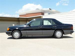 Garage Mercedes 92 : 1990 mb w124 300e black gray garage kept 2100 peachparts mercedes shopforum ~ Gottalentnigeria.com Avis de Voitures