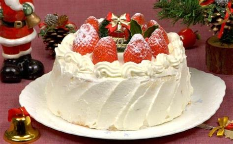 christmas cake recipe strawberry sponge cake cooking