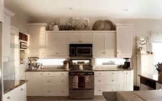 kitchen decor ideas 2013 10 best ideas for modern decor above kitchen cabinets greenvirals style