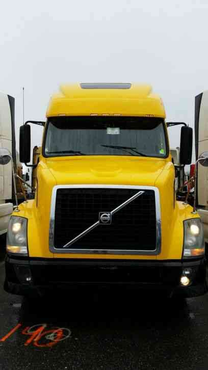 2011 volvo semi truck volvo 670 2011 sleeper semi trucks