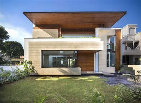 Modern Houses : A Sleek, Modern Home With Indian Sensibilities And An