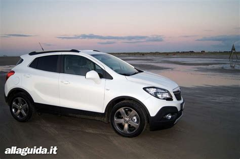 Nuova Opel Mokka Interni - renault captur vs opel mokka confronto tra crossover