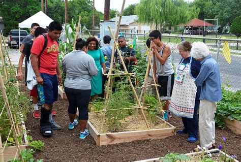 cuisine commune food desert pilot project an 39 oasis 39 for at risk youth