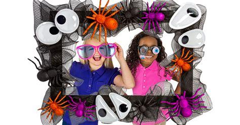 Eye-catching Halloween Photo-prop Frame