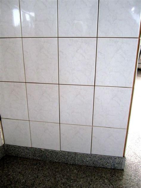 Wandfliesen Grau by Mosa 1130 Wandfliesen 20x25 Cm Weiss Grau Marmoriert