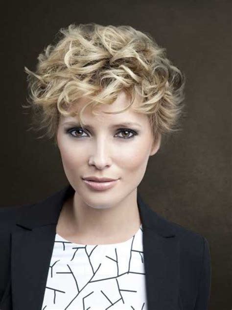 short curly hairstyle very pretty short curly hairstyles you will love short