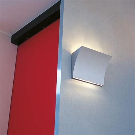 f9701057 flos pochette chrome up wall light