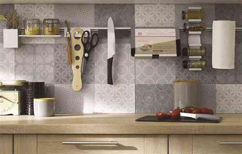 barre de credence cuisine accessoires pour cuisine meubles malins cuisinella