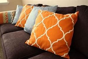 Cuscini divano Complementi di arredo Come arredare il living coi cuscini divano