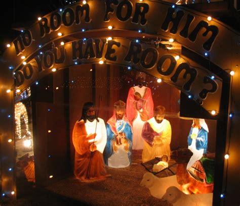 lighted outdoor nativity set plastic outdoor lighted nativity sets outdoorlightingss com