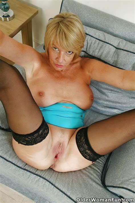 53 Year Old British Gilf Amy From Olderwomanfun 16 Pics