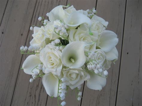 White Wedding Bouquet Amatoaimee