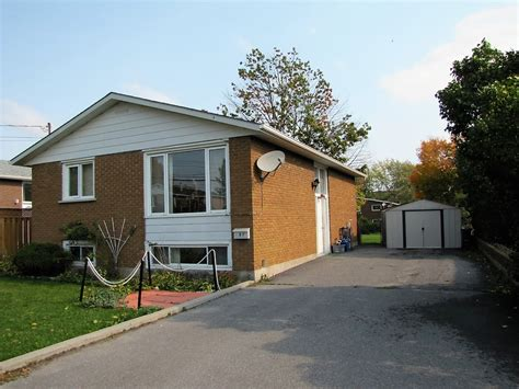 Raised Bungalow With Fenced Back Yard  Kb Realty Inc