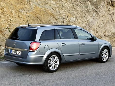 opel astra h caravan the new opel astra h family caravan prices and equipment