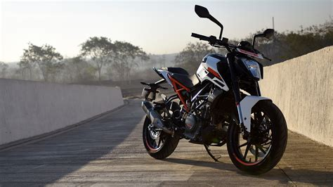 Ktm Duke 250 Backgrounds by Ktm 250 Duke 2017 Std Compare Bike Photos Overdrive