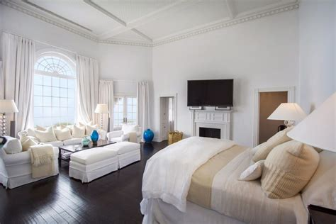 master suites    expensive hamptons homes