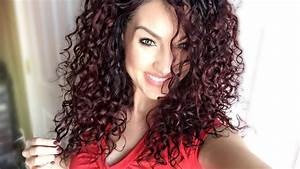4 Everyday EASY Curly Hair Styles | My famous CURLY bun ...