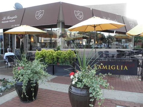 La Cove Restaurant by La Famiglia Pizzeria Restaurant Glen Cove Restaurant