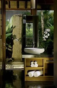 Meuble Salle De Bain Alinea : le carrelage blanc brillant une d coration murale parfaite ~ Teatrodelosmanantiales.com Idées de Décoration