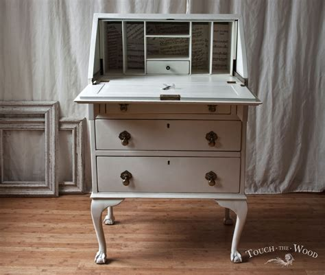 bureau plexiglas vintage shabby chic bureau with print no 22 touch the wood