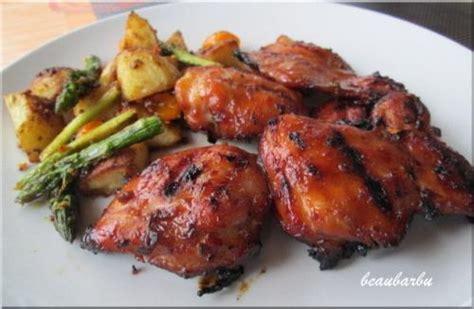 cuisiner cuisses de poulet hauts de cuisse de poulet barbecue recette du chef antoine sicotte présentation de beaubarbu