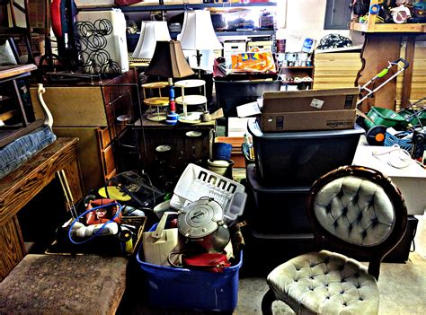 Garage Sales by 6 Awesome Hacks For An Epic Garage Sale Wallet Whisperer