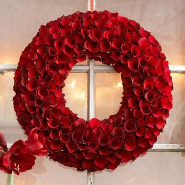 red roses wood wreath