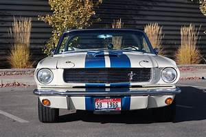 This Supercharged 1966 Mustang GT350 Continuation Was Driven by Carroll Shelby - autoevolution