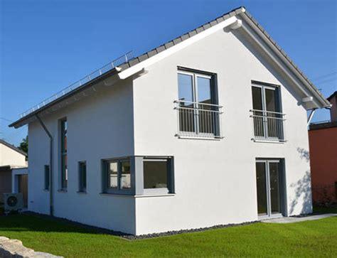 Einfamilienhaus In Reutlingen by Englert Einfamilien Und Doppelhaus Bau Schl 252 Sselfertig