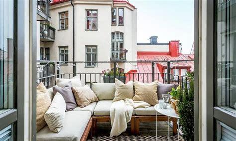 arredare terrazzo piccolo come arredare un balcone piccolo idealista news