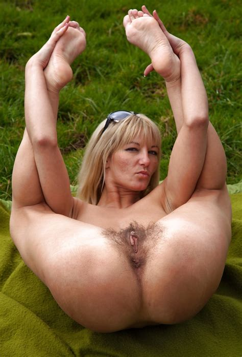 Hot MILF S Mature Women Pussies Asses Feet Pics