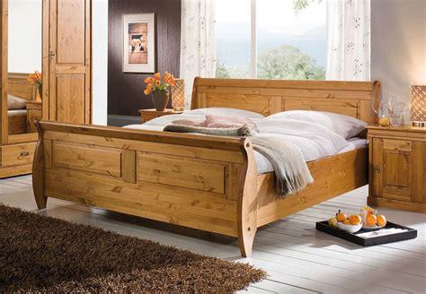 Bett 180x200, Kiefer Massiv Honigfarben Lackiert