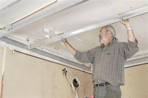 faux plafond placo sur rail best fixer cloison placo plafond suspendu with faux plafond placo