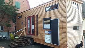 Tiny House Campingplatz : eine 35 j hrige schw bin hat ihren job gek ndigt um ihr eigenes tiny house zu bauen business ~ Orissabook.com Haus und Dekorationen