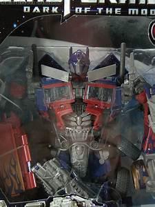 Transformers Dark of the Moon Striker Optimus Prime Toy ...