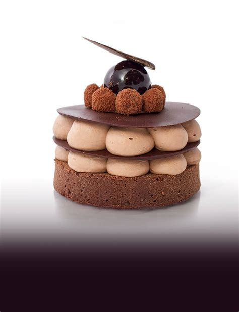 authentic french pastries desserts  cakes vanille