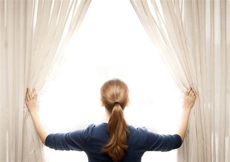 curtain cleaning benefits of hiring a professional cleaner