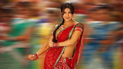 priyanka chopra  saree wallpapers hd wallpapers id