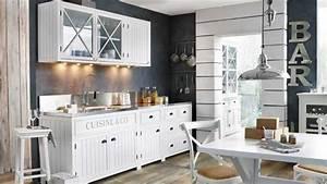 une deco de style bord de mer dans la cuisine diaporama With superb meuble style maison du monde 15 miroir de style industriel design