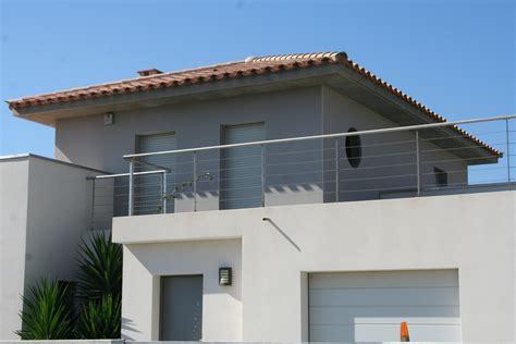 photos de maison moderne 2 villa moderne grise avec d233bords de toit gonzalez kirafes