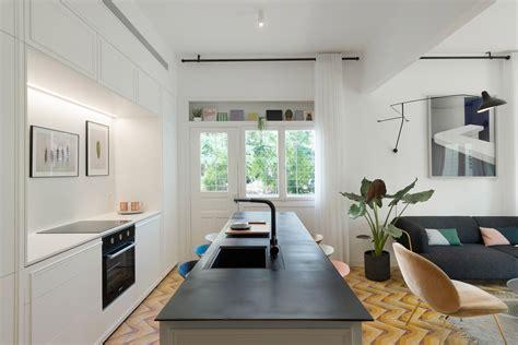 bauhaus kitchen design 1930s bauhaus apartment gets gorgeous renovation in tel 1515
