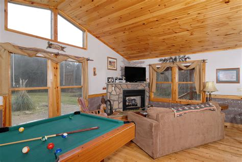 1 Bedroom Cabins In Pigeon Forge Tn by Our Secret Rendezvous Wear S Valley One Bedroom Chalet