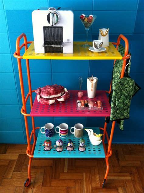 Kitchen Color Ideas - mini estante color decor funky