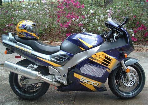 1995 Suzuki Rf900r by 1997 Suzuki Rf 900 R Moto Zombdrive